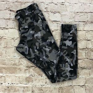 Camo Nike leggings size small gently worn